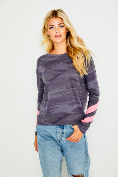 CAMO TOP WITH HOT PINK STRIPES