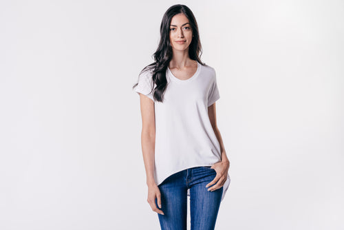 CARPOOL CHIC ASYMENMETRICAL HEM TEE SHIRT