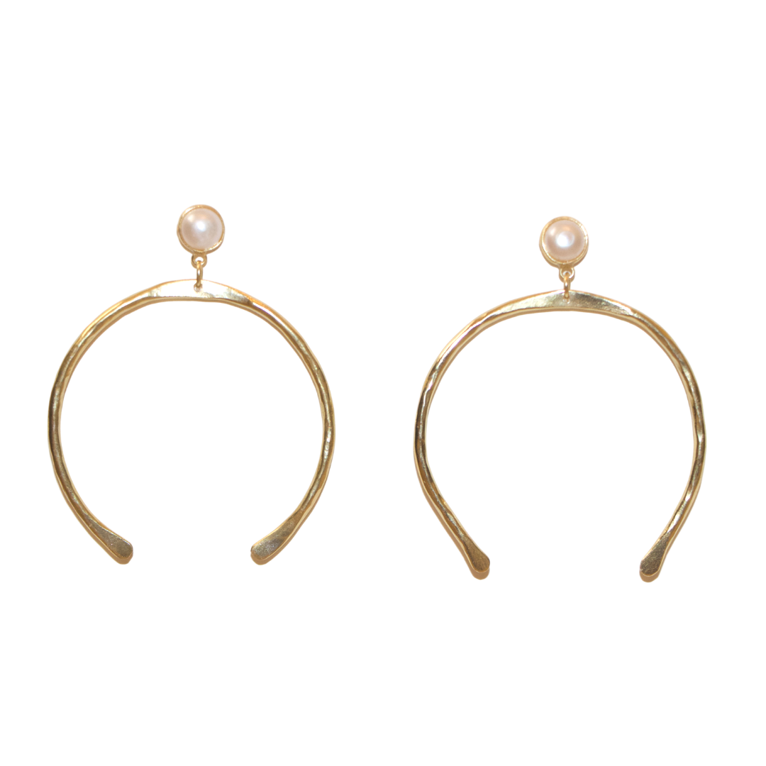 GOLD HORSE SHOE EARRINGS