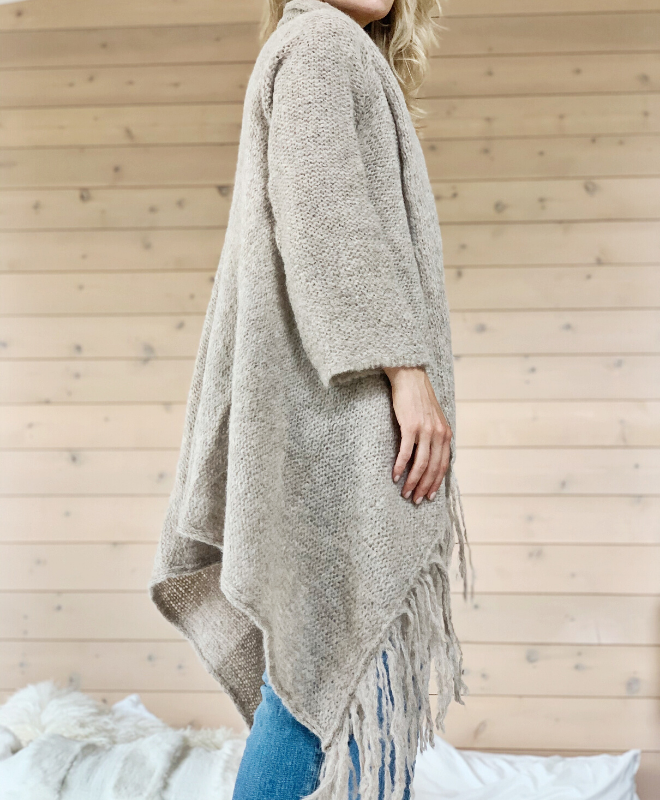 Sefte + The Huntress Cape in Oatmeal - Sefte