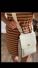 Load image into Gallery viewer, Cream cross over shoulder bag