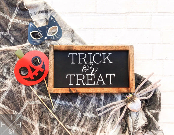 Handmade wood sign, home decor, fall decor, fall signs, Halloween decor, Halloween signs, halloween, Trick or treat, trick or treat sign, candy sign