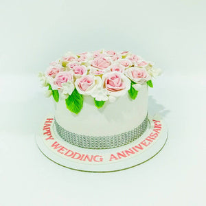 Roses Wedding Anniversary Cake - Eggless