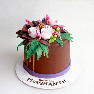 Roses Birthday Chocolate Cake - Eggless