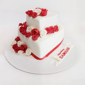 Lilly Decorated Cake - Eggless