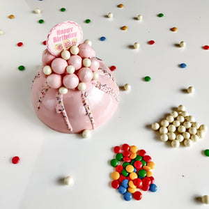 Strawberry Bubble Piñata Cake - Eggless