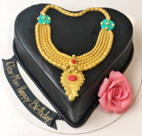 Floral necklace cake for parents