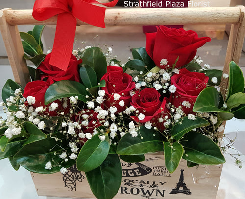 Short Stem Roses in Wooden Box