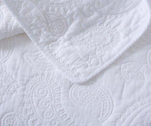 White as Snow Cotton Quilt + Shams