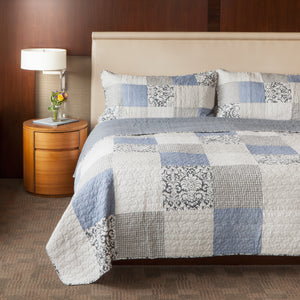 Sweet Dreams Patchwork Quilt + Shams
