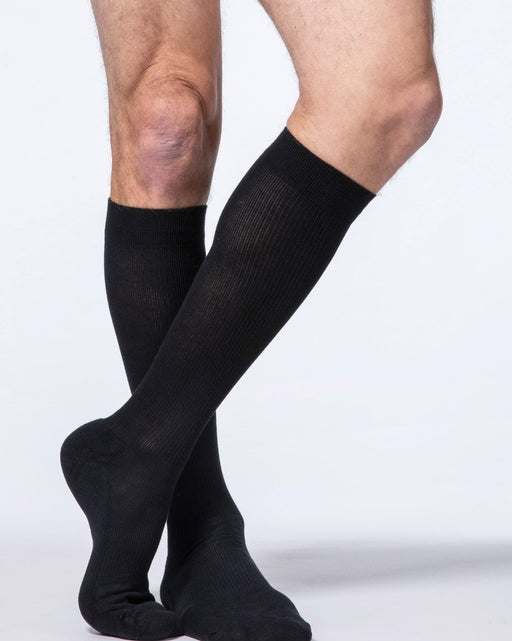 Sigvaris 970 Dynaven Series Closed Toe Knee Highs 30-40 mmHg Men's - 923C