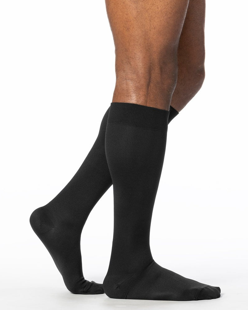 Sigvaris 970 Dynaven Series Men's Closed Toe Knee Highs 20-30 mmHg - 922C