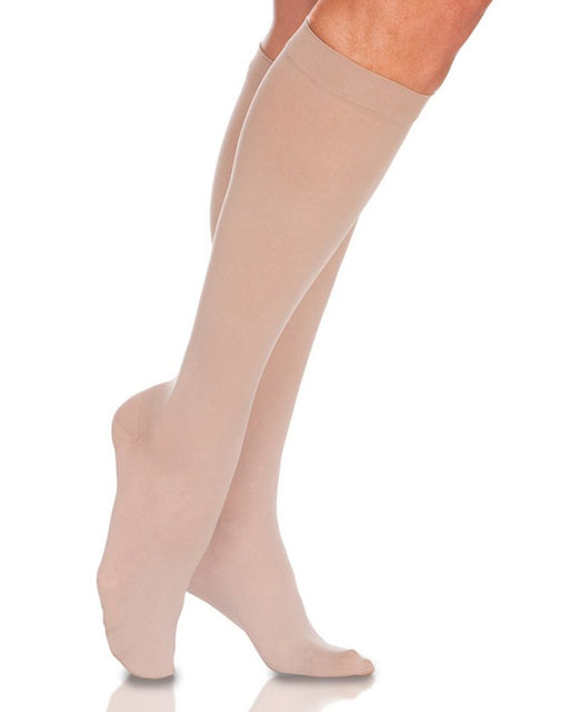 Sigvaris 780 EverSheer Women's Closed Toe Knee Highs 20-30 mmHg - 782C