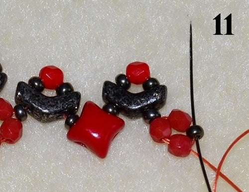 Nuria Bracelet free photo tutorial with Arrow beads and WibeDuo beads step 11