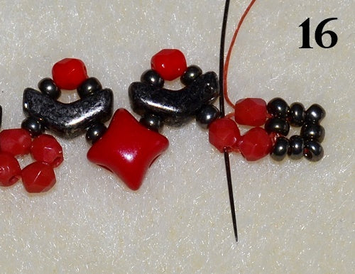 Nuria Bracelet free photo tutorial with Arrow beads and WibeDuo beads step 16