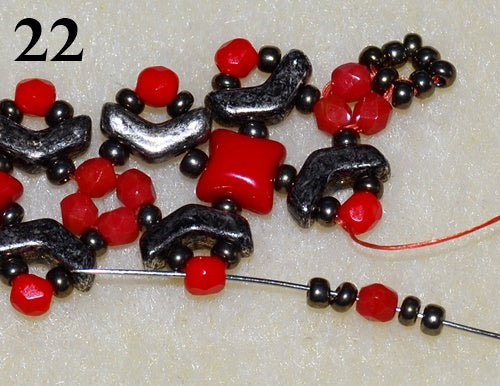 Nuria Bracelet free photo tutorial with Arrow beads and WibeDuo beads step 22