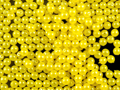 100 pcs Round Pearl Beads, 4mm, Pastel Yellow, Czech Glass