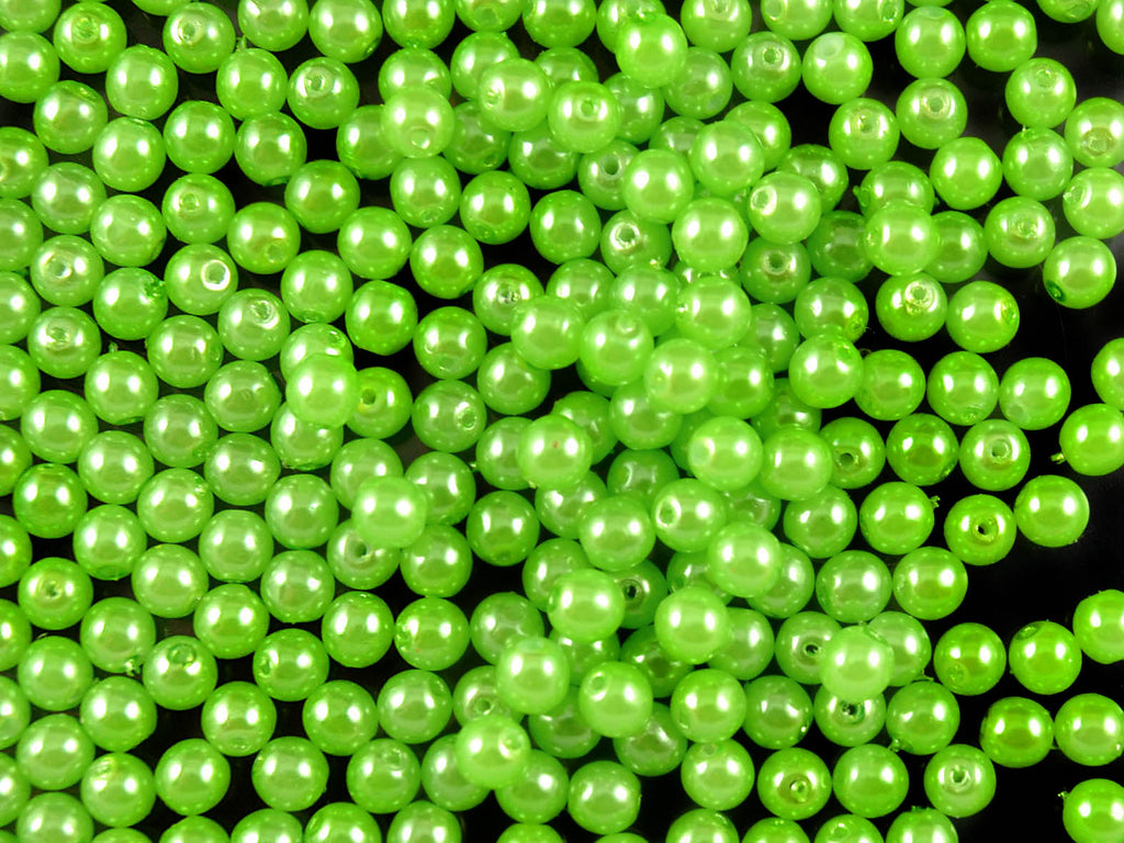 100 pcs Round Pearl Beads, 4mm, Pastel Green Pea , Czech Glass