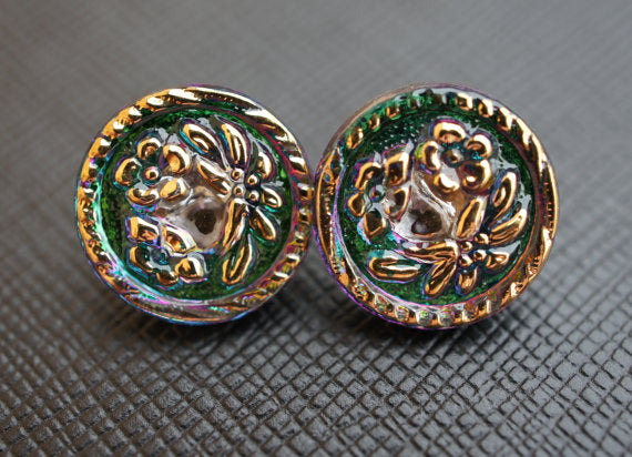 2 pcs Czech Glass Button, Green Vitrail Gold Flowers, Hand Painted, Size 6 (13.5mm)