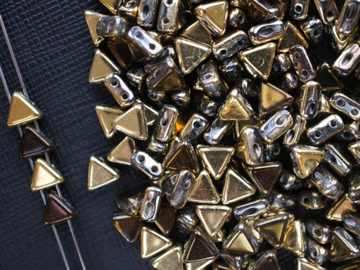 50 pcs Khéops® Par Puca® 2-hole Beads, Triangle 6mm, California Night, Czech Glass