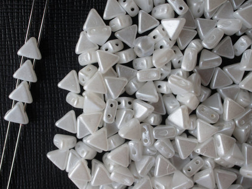50 pcs Khéops® Par Puca® 2-hole Beads, Triangle 6mm, Pastel White, Czech Glass
