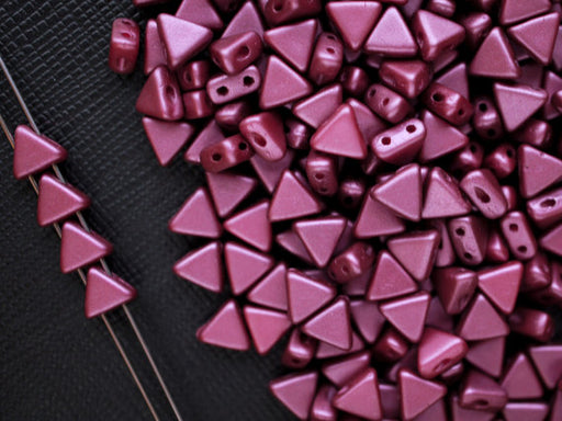 50 pcs Khéops® Par Puca® 2-hole Beads, Triangle 6mm, Pastel Burgundy, Czech Glass