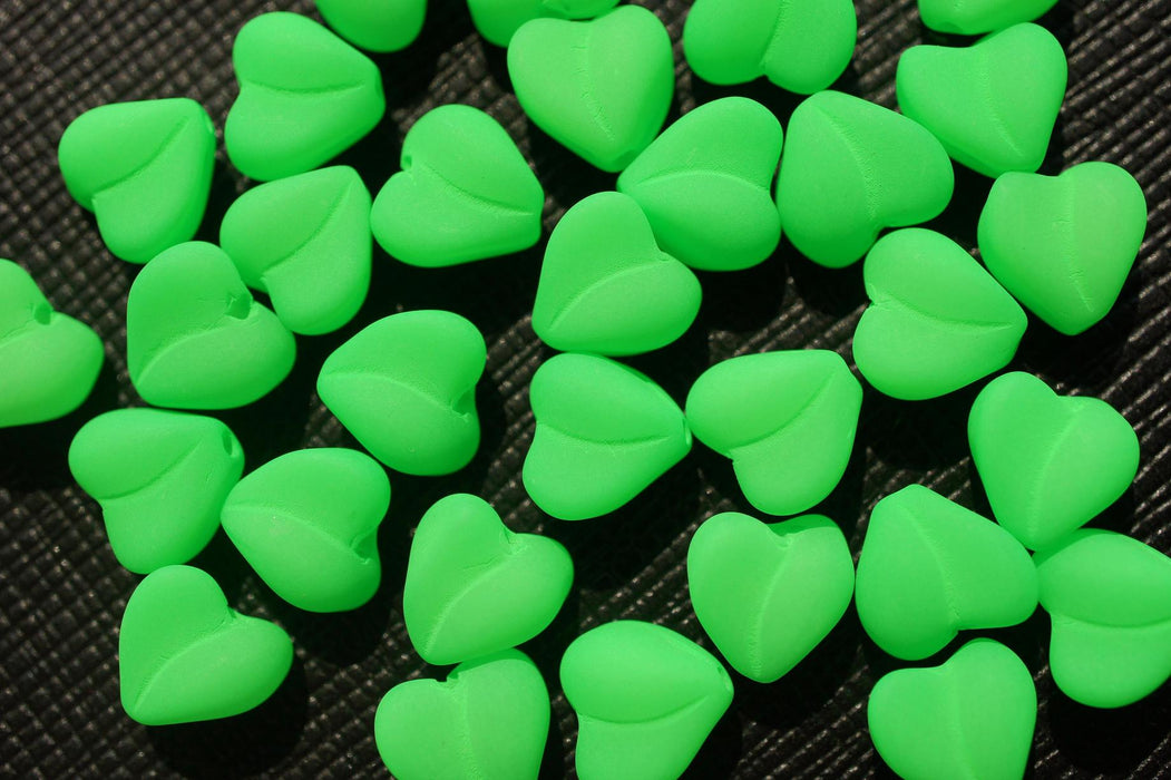 25 pcs Heart NEON ESTRELA Beads, 8mm, Green, Czech Glass