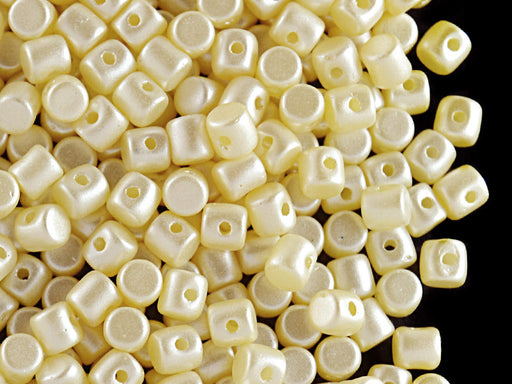 5 g Minos® Par Puca® Beads, 2.5x3mm, Alabaster Pastel Cream, Czech Glass
