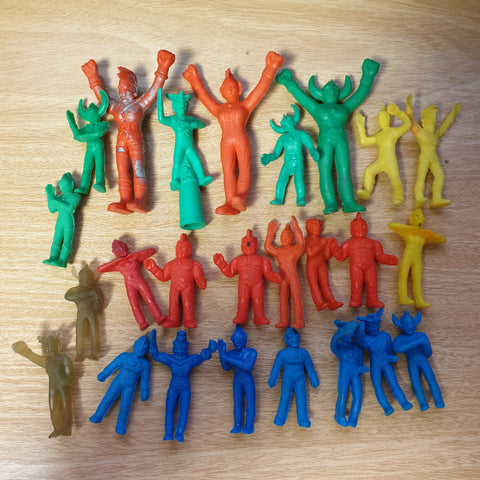 25x Ultraman Keshi Lot