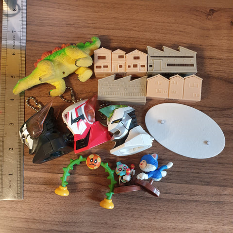 Very Random Junk Toy Lot - 20200929 - BL11