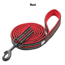 "Load image into Gallery viewer, Ultimate Dog Leash - 110cm  - 43.3"" - All Weather, Reflective - Soft handle - red"