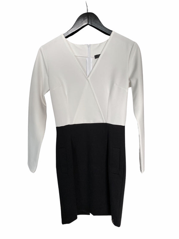 THE WRAPAROUND DRESS -  black and off white