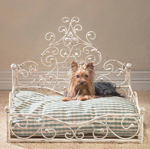 Old World Antique Scroll Pet Bed - Le Pet Luxe