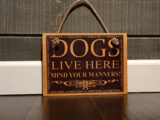 Dogs live here - Le Pet Luxe