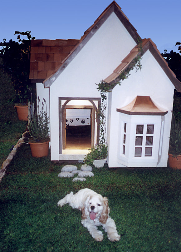 La Petite Maison Custom French Chateau Dog House - le-pet-luxe