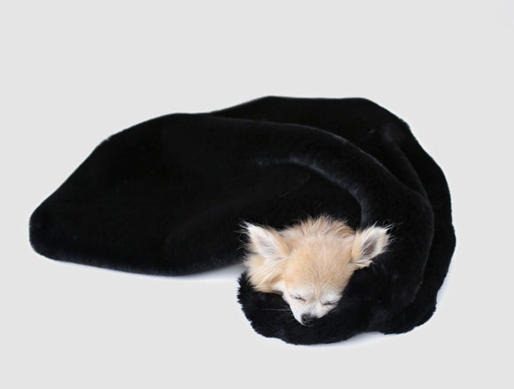 Divine Dog Blanket ~ Black - Le Pet Luxe