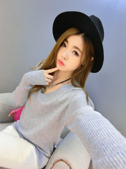 DisappeaRanceLove Brand winter cashmere sweater women fashion sexy v-neck sweater loose 100%wool sweater batwing sleeve pullover-lilugal