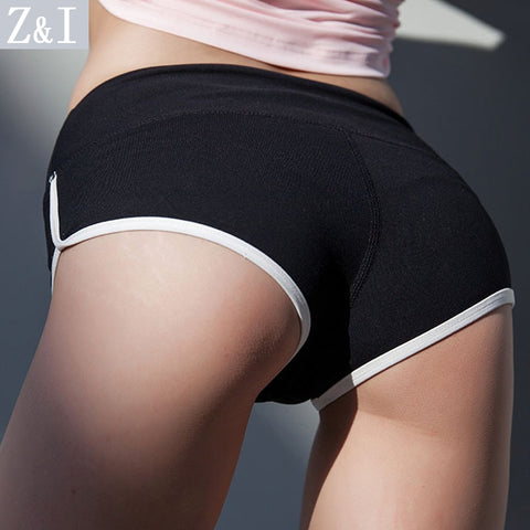 Z&I 2017 New arrival Women sexy peach hip shorts Europe United States tight hot shorts peach triangle hot shorts Black short-lilugal