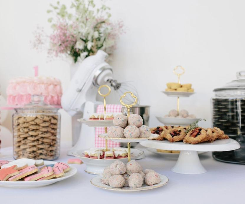 Top 20 Mini Desserts & Treats for your Tea Party-Themed Celebration