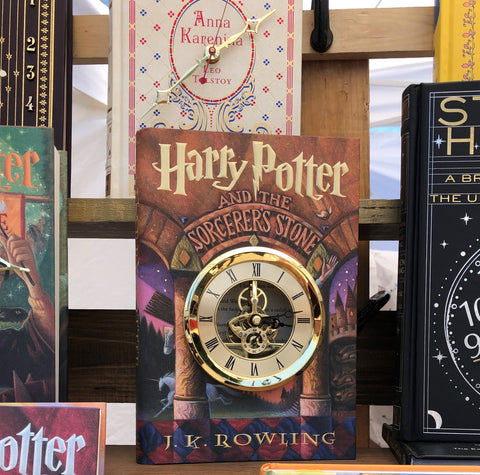 Harry Potter book clock - nerdy wedding gift