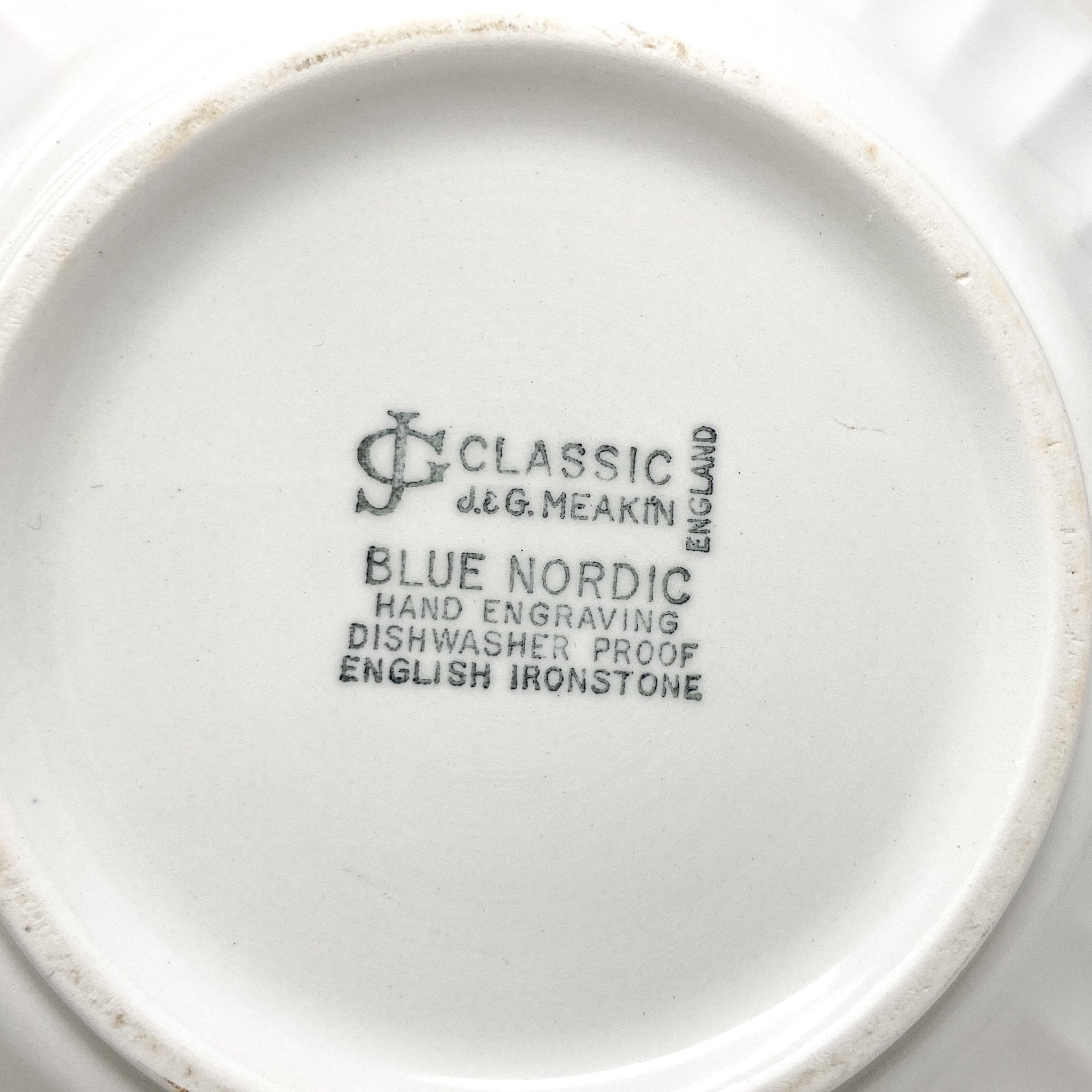 stamp of Signature Blue & White Casserole Dish - Meakin Classic Blue Nordic
