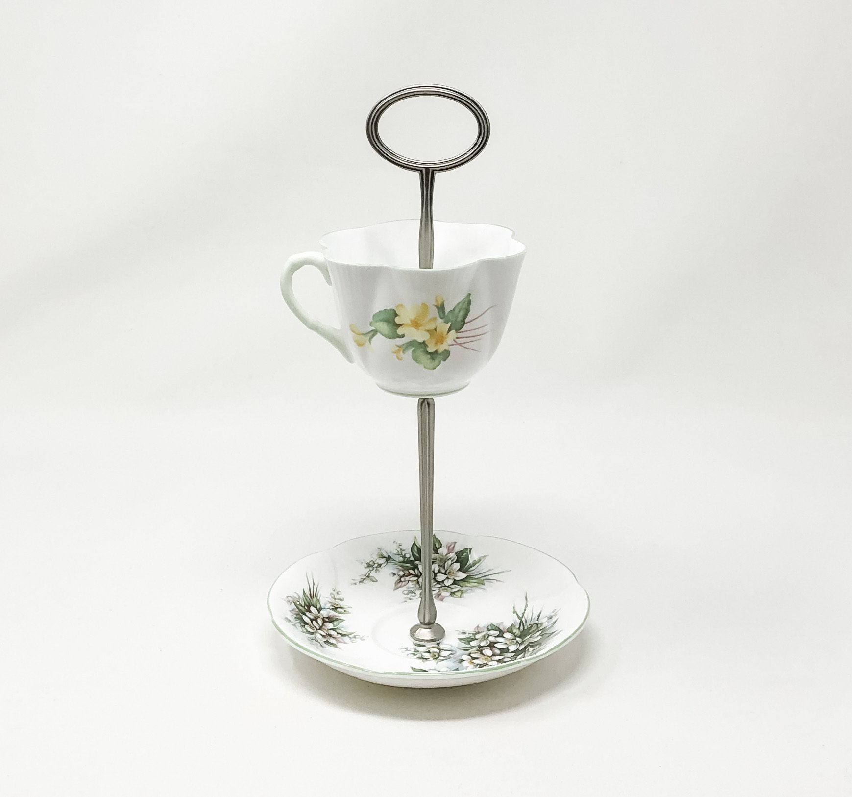 Shelley Green Royal Albert | Teacup & Saucer Stand | Assorted - The Brooklyn Teacup