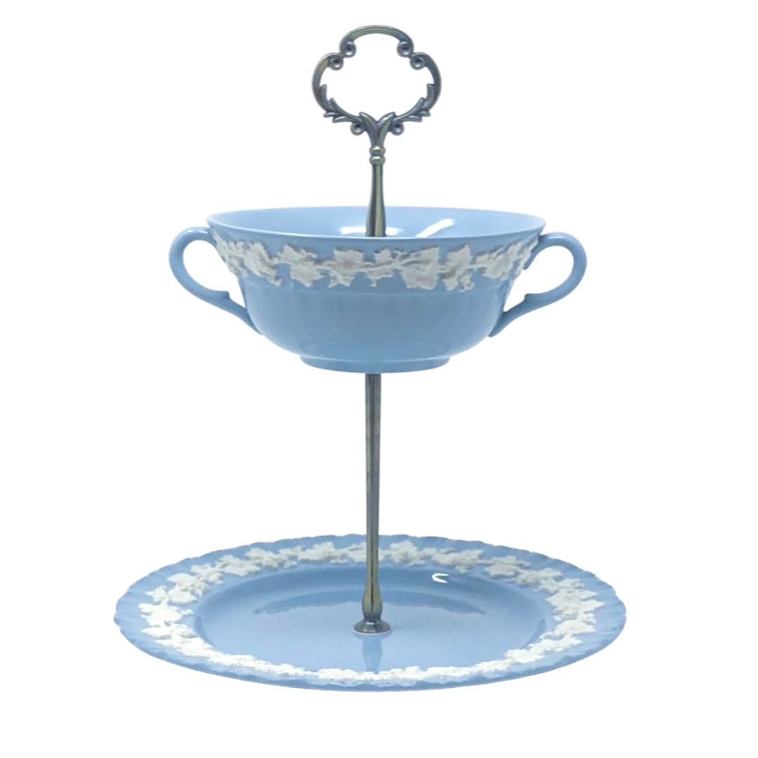 Wedgwood Etruria Barlaston Queensware | Soup & Saucer Stand | Wedgwood - The Brooklyn Teacup
