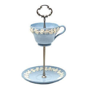 Wedgwood Etruria Barlaston Queensware | Teacup & Saucer Stand | Wedgwood - The Brooklyn Teacup