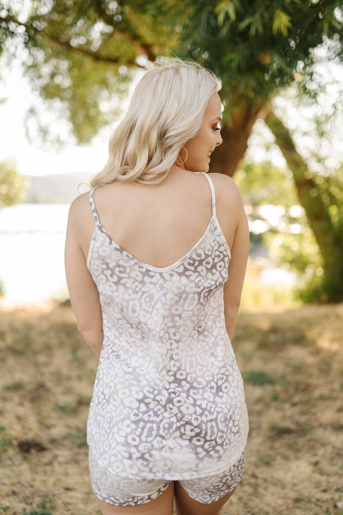 A Hint Of Tinsel Leopard Tank