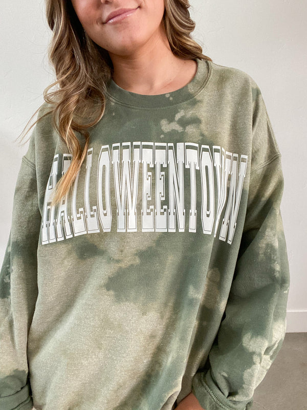 HALLOWEENTOWN CUSTOM CREWNECK