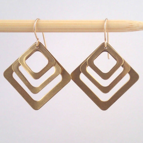 Third base earrings in brass