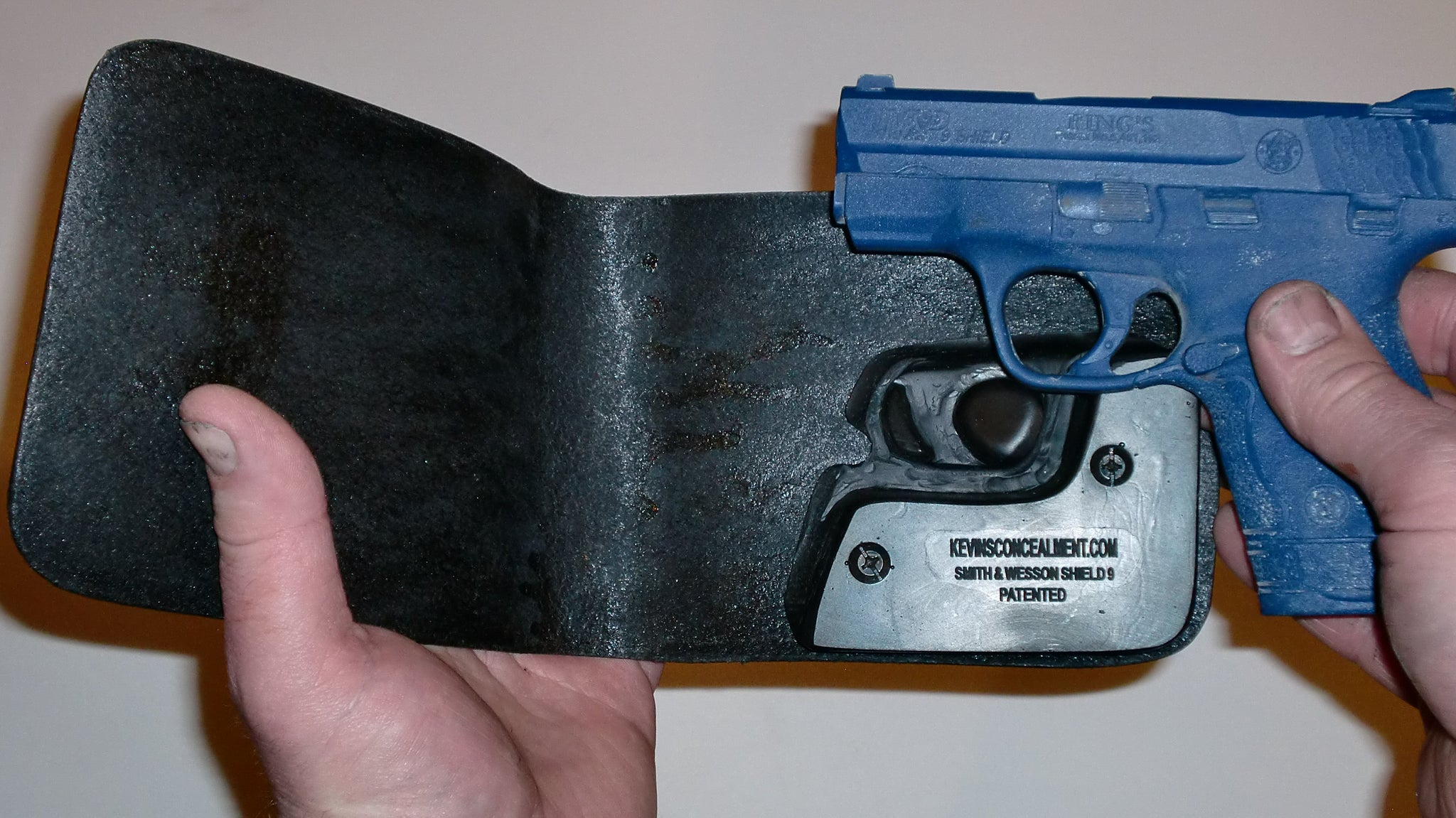 Wallet Holster For Full Concealment - S&W Shield 9mm