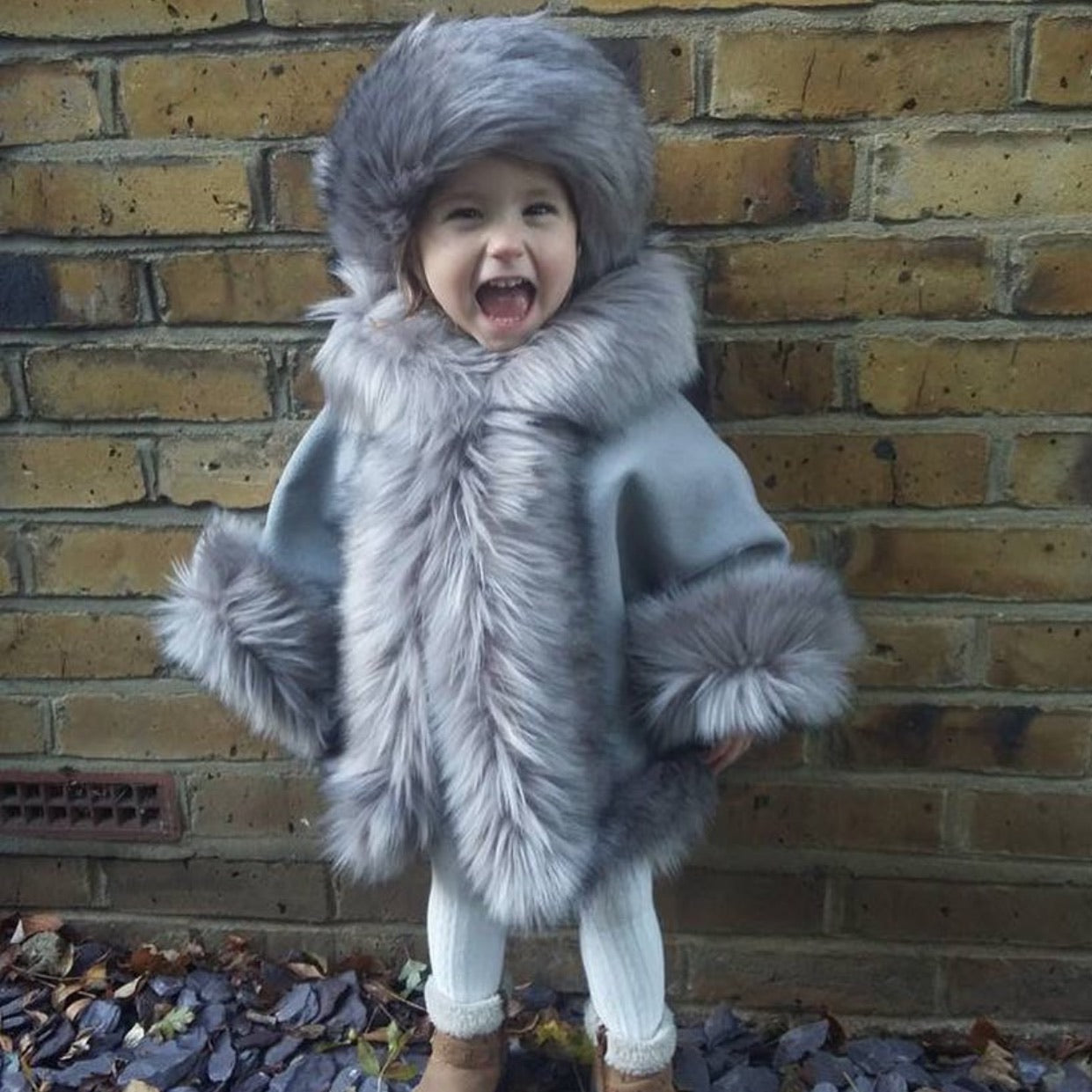 Luxury faux fur cape in GREY - Roo's Online Shop - children's clothes - Mary Jane shoes -