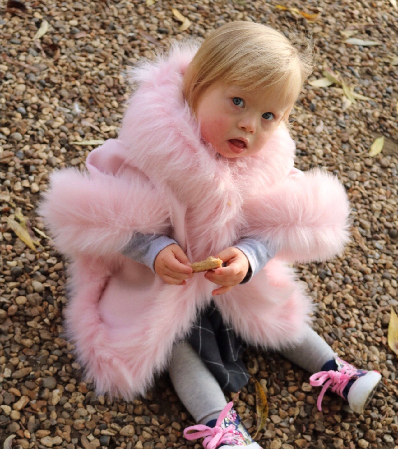 Luxury faux fur cape in PINK - Roo's Online Shop - children's clothes - Mary Jane shoes -